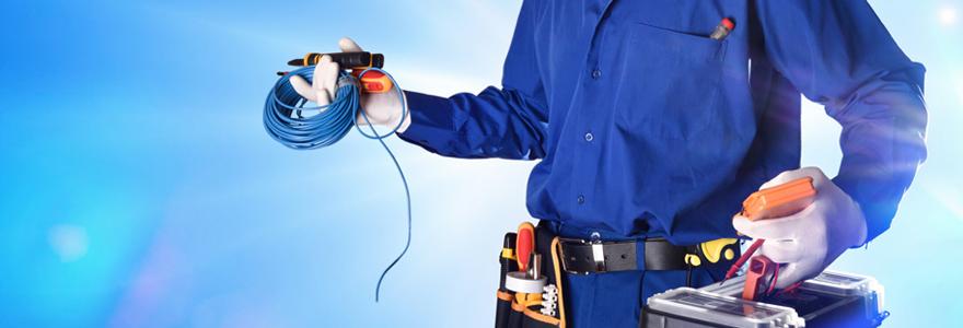 Des électriciens et des plombiers